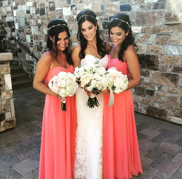 Bella Bride Alex Krueger and her bridesmaids wearing Bari Jay Style 555 in Tulip Bella Chiffon